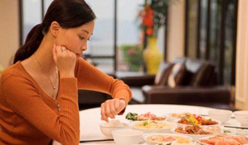 Tác hại của ăn tối muộn