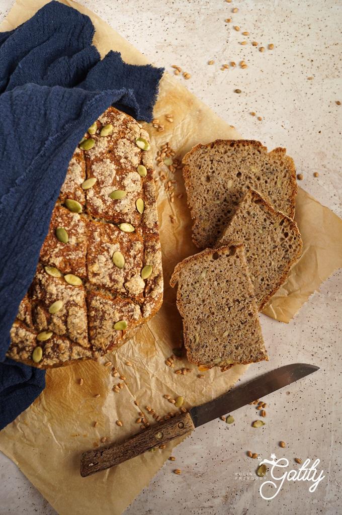 bochenek-chleba-z-nasionami