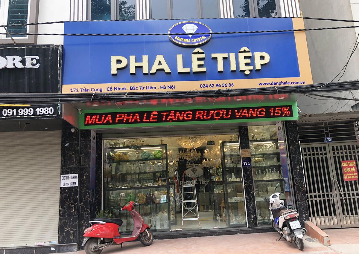 Cửa hàng Pha Lê Tiệp bán đèn trang trí ở 171 Trần Cung