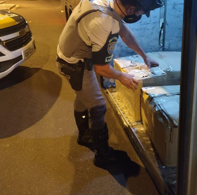 Eletrônicos e comprimidos de complexos vitamínicos são apreendidos em abordagem da Polícia Rodoviária