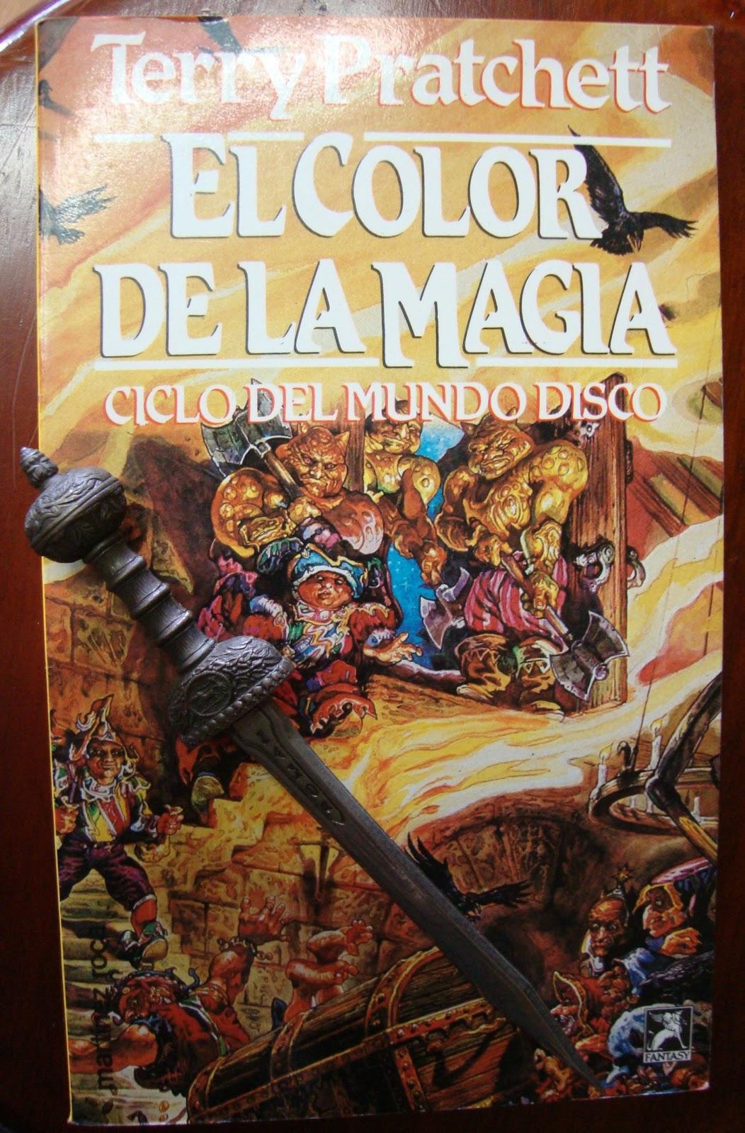 Libros de Olethros: EL COLOR DE LA MAGIA. Terry Pratchett