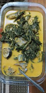Gulai ikan dengan sayur sikuju
