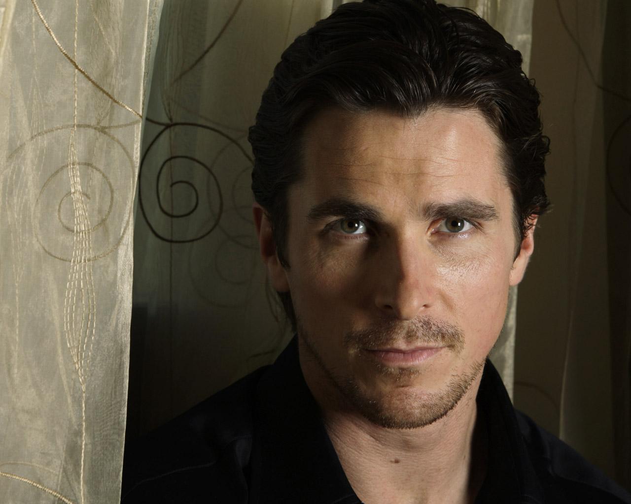 Christian Bale: Wallpaperstopick: Christian Bale