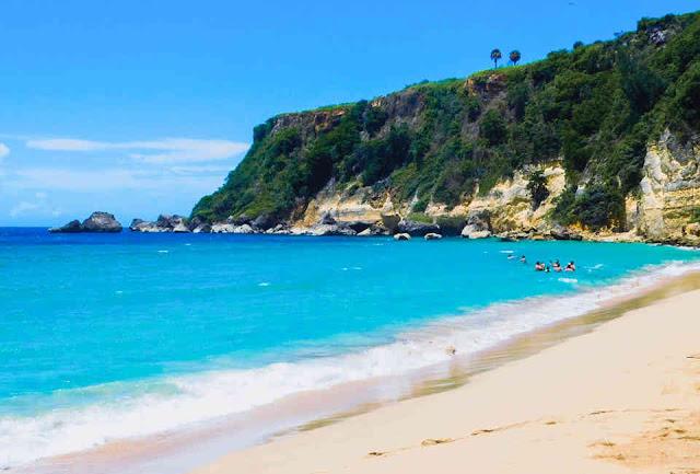 الشاطئ الأزرق, Blue beach