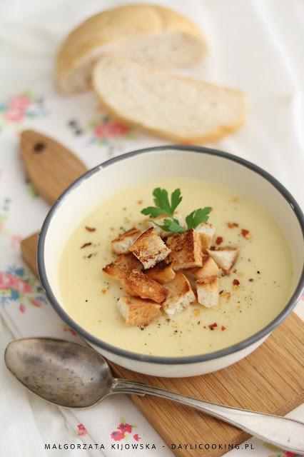 zupa krem z cukinii, krem z ziemniaków, co zrobić z resztkami cukinii, zero waste, daylicooking