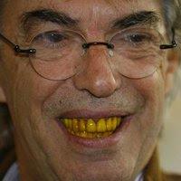 moratti-denti-gialli.jpg