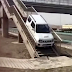Έκανε αναστροφή στην Εθνική οδό χρησιμοποιώντας την πεζογέφυρα