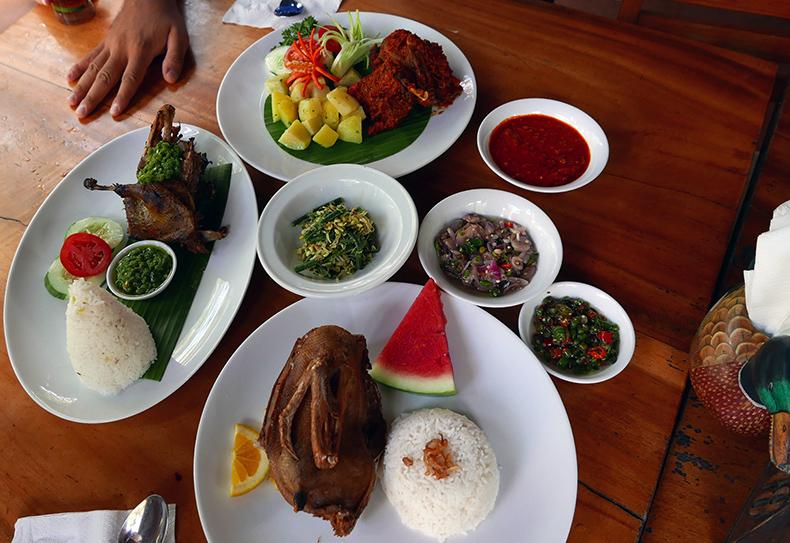 Euriental | fashion & luxury travel | Ubud, Bali, Dirty Duck Diner, Bebek Bengil