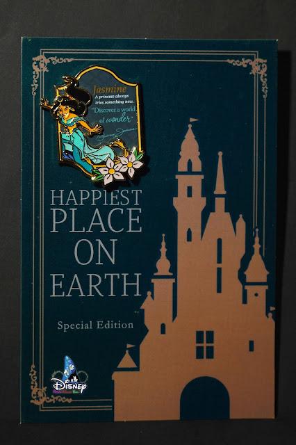 香港迪士尼樂園2021年迪士尼公主女王徽章系列及公主剪影主題明信片, Hong-Kong-Disneyland-2021-Disney-Princess-and-Queens-Pins-plus-Princess-Postcard-Set