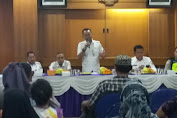 CAMAT TAMBORA BUKA MUSREMBANG Rw/Rt DI KELURAHAN ANGKE