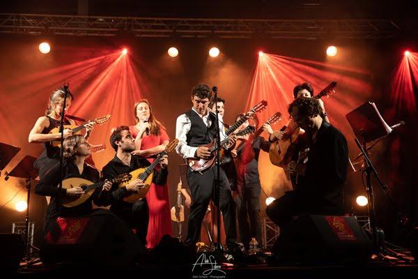 Féloche revisite la chanson en mandoline avec The Mandolin Orchestra.