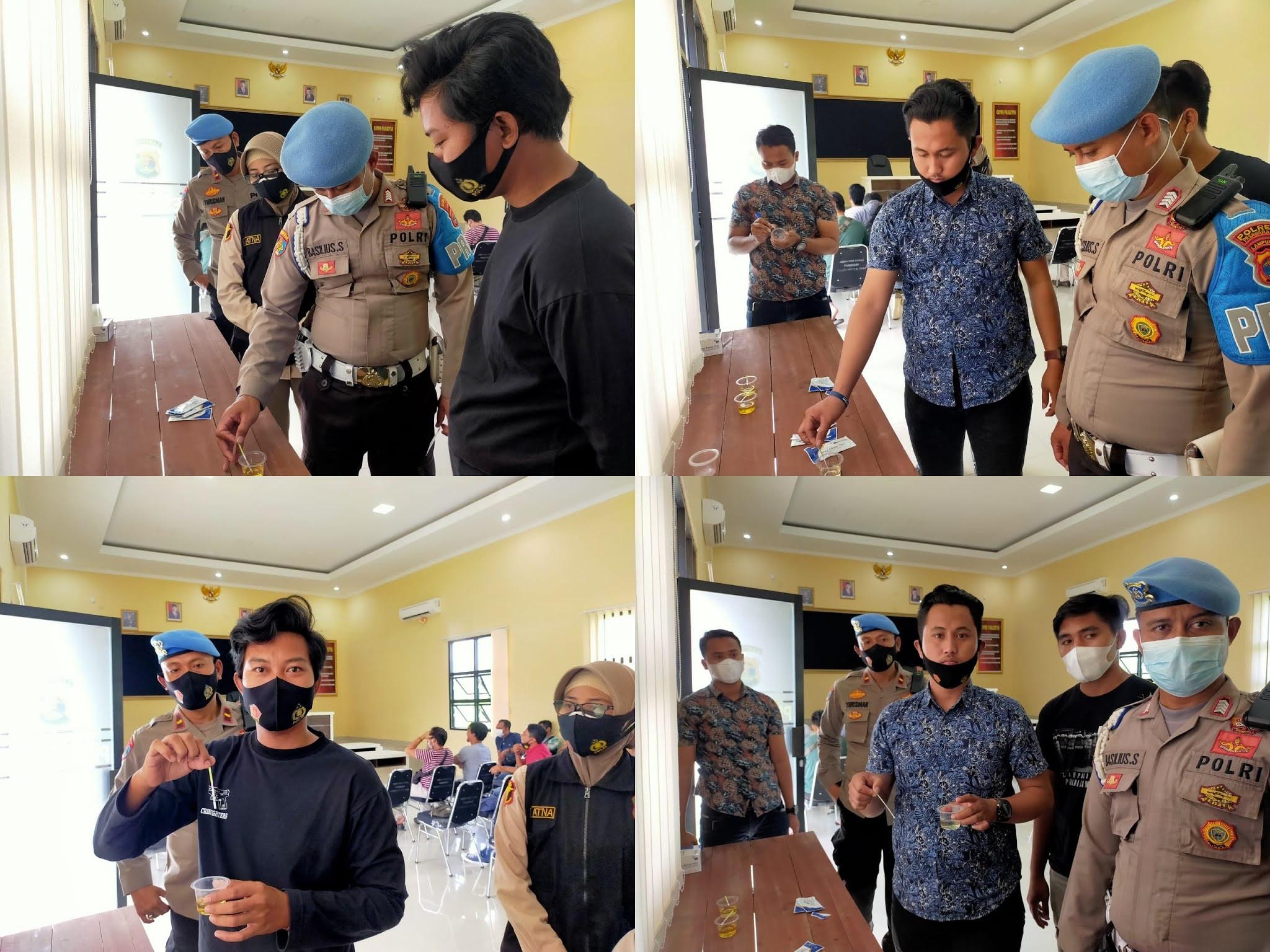 Propam Polres Pesawaran yang didampingi oleh Urkes Bag Sumda Polres Pesawaran melaksanakan tes urine terhadap personel Operasional Sat Reskrim, Sat Resnarkoba dan Sat Intelkam Polres Pesawaran
