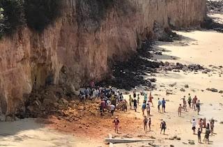 Parte de falésia desaba sobre pessoas em Pipa; 3 morrem, diz Polícia Militar