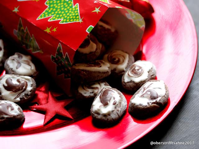 Weihnachtsplätzchen mit Mandeln und Maronen