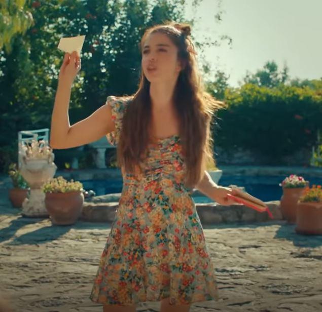 Bay Yanlış Ezgi'nin Giydiği çiçek desenli mini elbise
