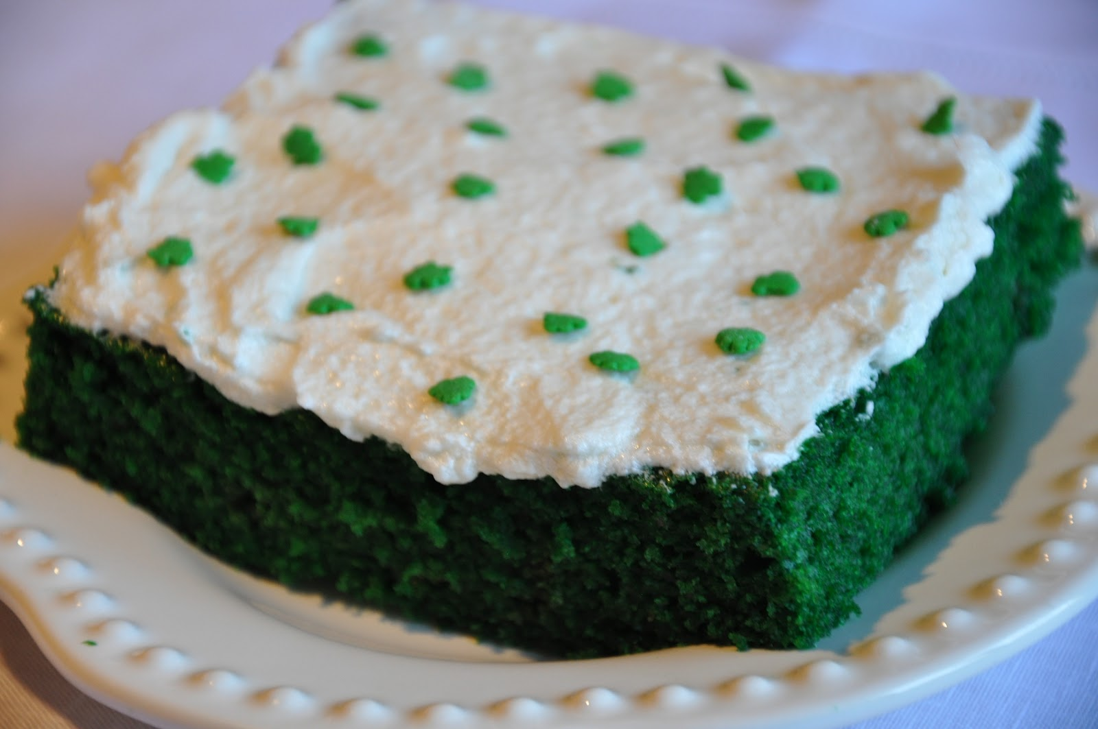 Elizabeth Ann's Recipe Box: Green Velvet Sheet Cake with
