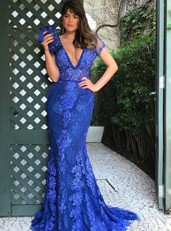 vestido de festa longo azul royal com manga curta