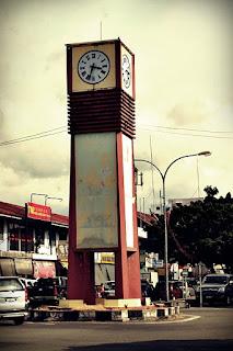 http://tuarantv.blogspot.com/2012/08/kelahiran-semula-menara-jam-tuaran.html