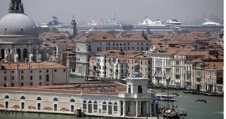 Η Βενετία απαγορεύει τα κρουαζιερόπλοια από το ιστορικό της κέντρο