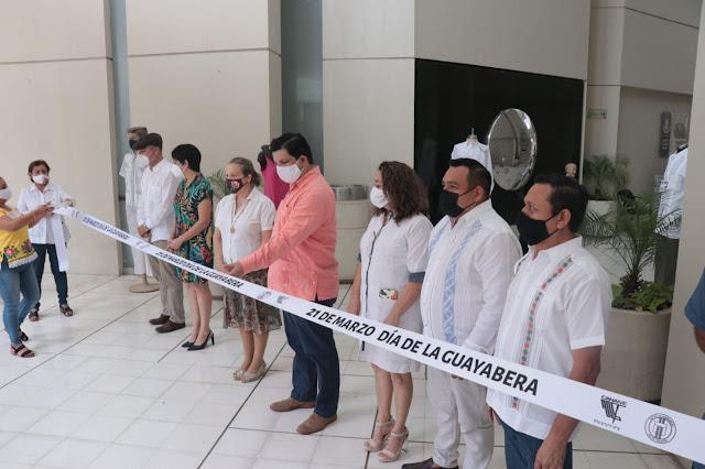 Celebran el Día de la Guayabera con una exposición de la prenda tradicional yucateca