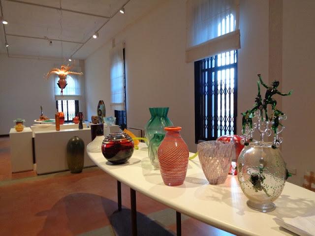 Obras de vidro expostas no Museu do Vidro