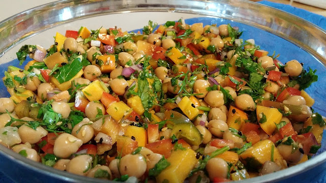 www.realfoodblogger.com chickpea salad