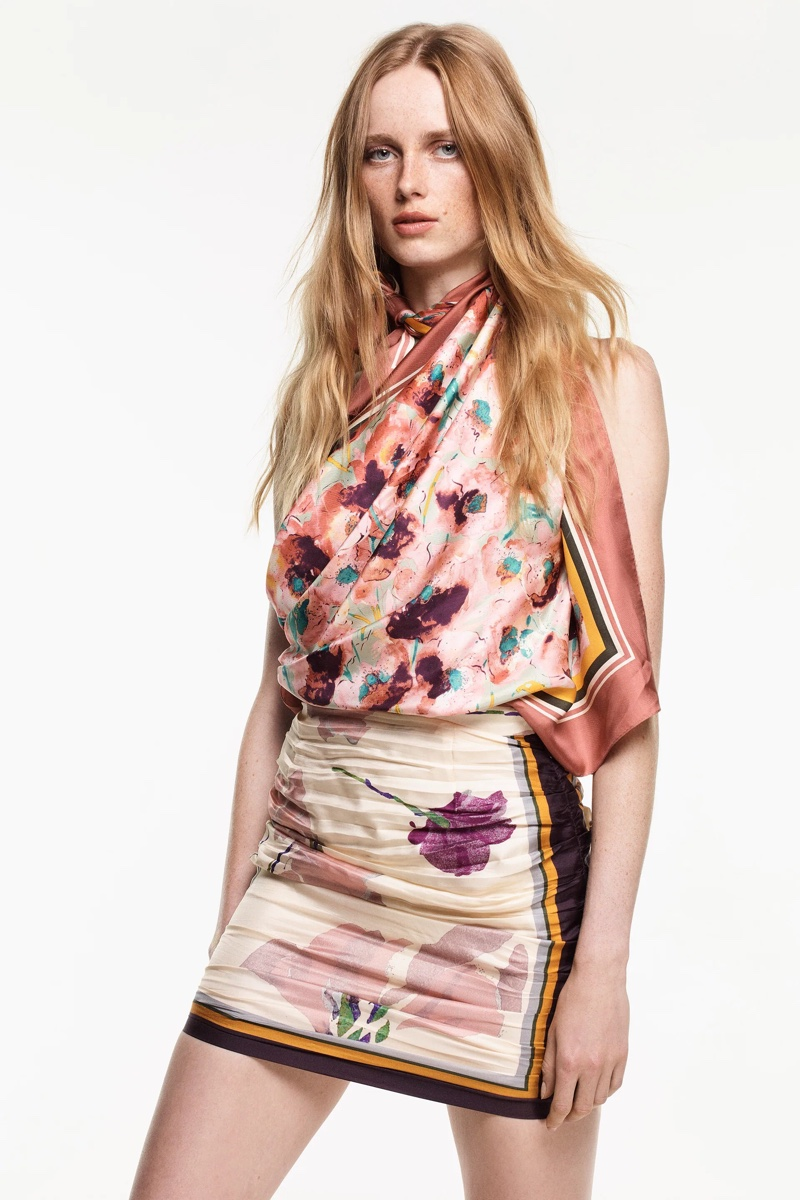 Rianne van Rompaey wears Zara Scarf Collection for fall-winter 2021.