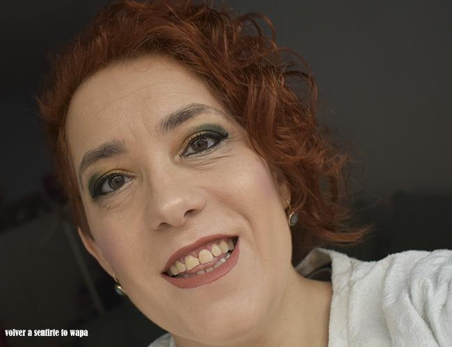 Maquillaje en mostaza y verde bosque
