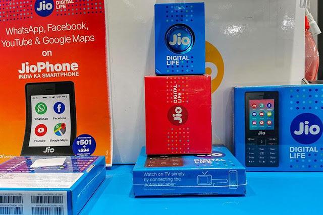 बुरी खबर : बढ़ने वाली है टेलीकॉम कंपनियों के प्लान कीमत, 149 रुपये का रिचार्ज 268 रुपये में