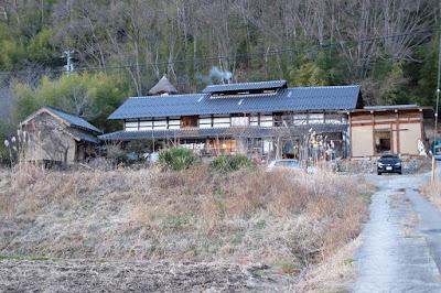 松本市四賀の古民家カフェ KAJIYA(カジヤ)母屋や土蔵