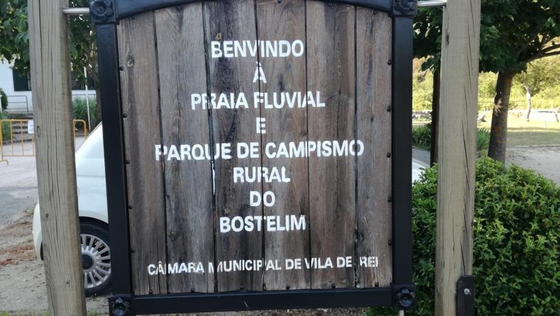 Placa da Praia Fluvial e Parque de Campismo Rural  … <a href=