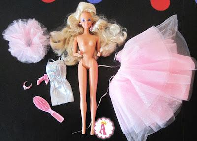 Что в коробке с куклой Барби Кристалл 1991 года