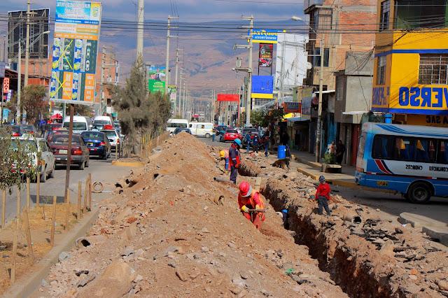 Concluyen trabajos de instalaciones domiciliarias y cambio de tuberías en la Av. Mariátegui