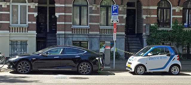 public-ev-charging-stations-amsterdam-netherlands