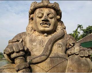 Arca Gwarapala Candi Singhasari