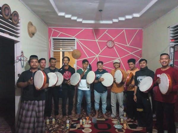 Grup Kompang Suku Seni, Latihan Tiap Jumat Sore