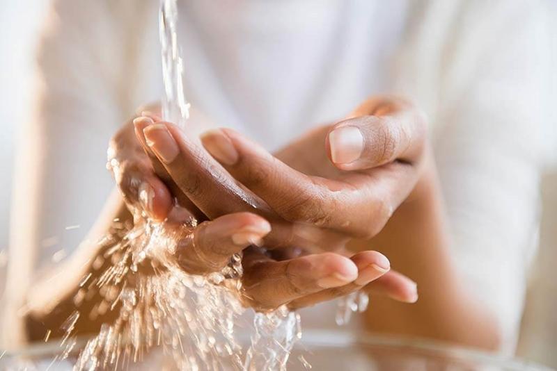 Dezenfektan, kolonya ve sabun kullanımından sonra ellerin bakımı