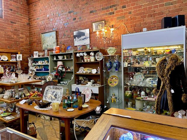 Queenscliff vintage shops