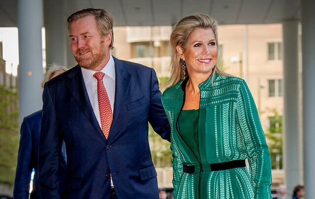 Queen Maxima wore a green Atlantis geometric-jacquard silk-blend dress from Zeus+Dione, and black sandals from Gianvito Rossi