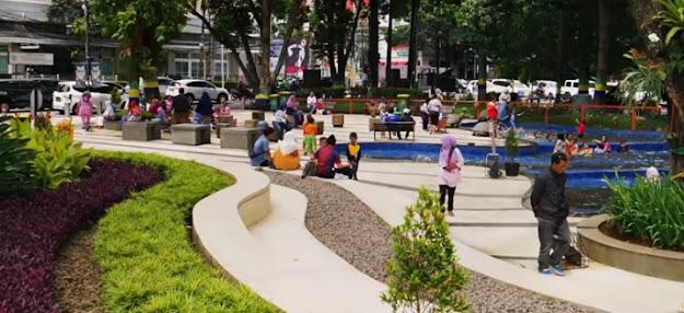 Taman-Kota-Gratis-di-Bandung-Taman-Balai-Kota-Taman-Vanda-Teras-Cikapundung-Wisata-Bandung-wisata-bandung