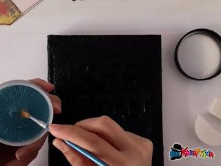 rendi luminoso il tuo art journal con i colori metallici decoart