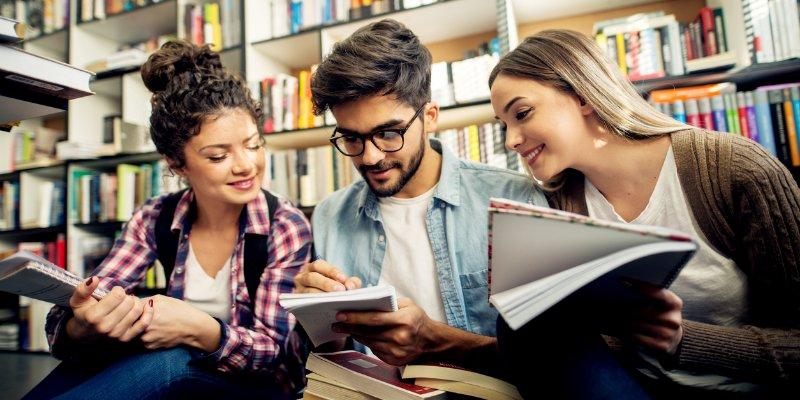 Bourses d'études supérieures  de l'Université de Melbourne 2020