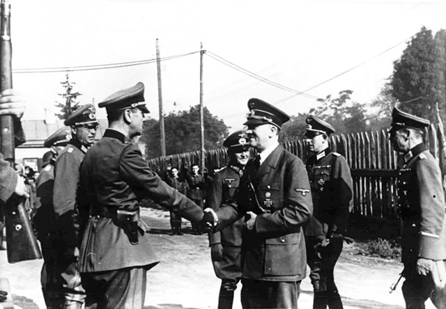 Hitler at Poltava 1 June 1942 worldwartwo.filminspector.com