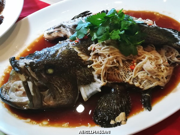 STEAMED SEA GROUPER WITH ENOKI MUSHROOMS AND MINCED CHILI IN SUPERIOR SOY SAUCE