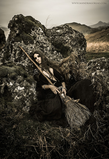 Aker Dantzaria Witch Sabbath Raven Broomstick Besom Broom