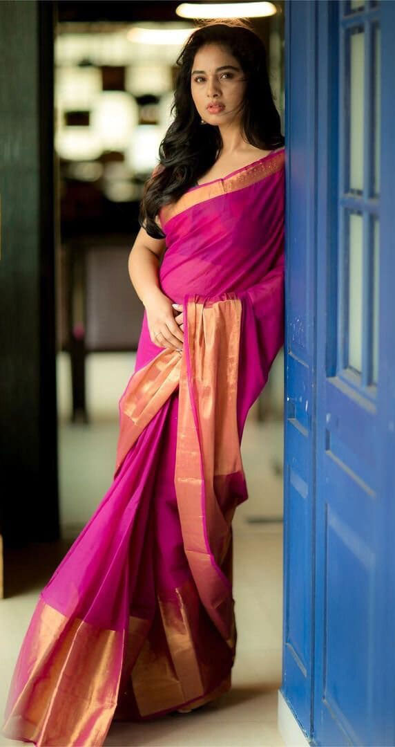 Srushti Dange Latest Saree Photos Actress Trend