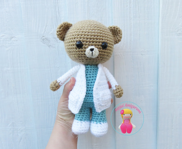 AMIGURUMI DOCTOR/ NURSE - YouTube | 592x720
