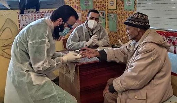 خرجة ميدانية  لأطباء الجمعية العلمية لفحص الفلاحين وعائلاتهم بالشلف