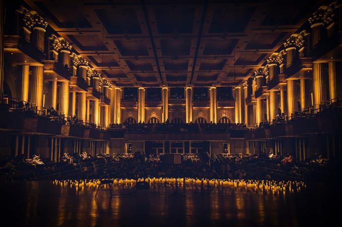 Trilhas sonoras de animes ganham concerto à luz de velas