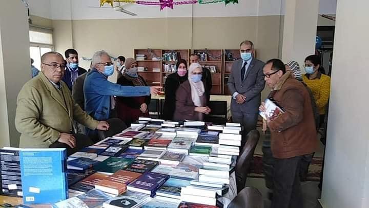 جامعة الفيوم : افتتاح المعرض الأول للكتاب بكلية الصيدلة
